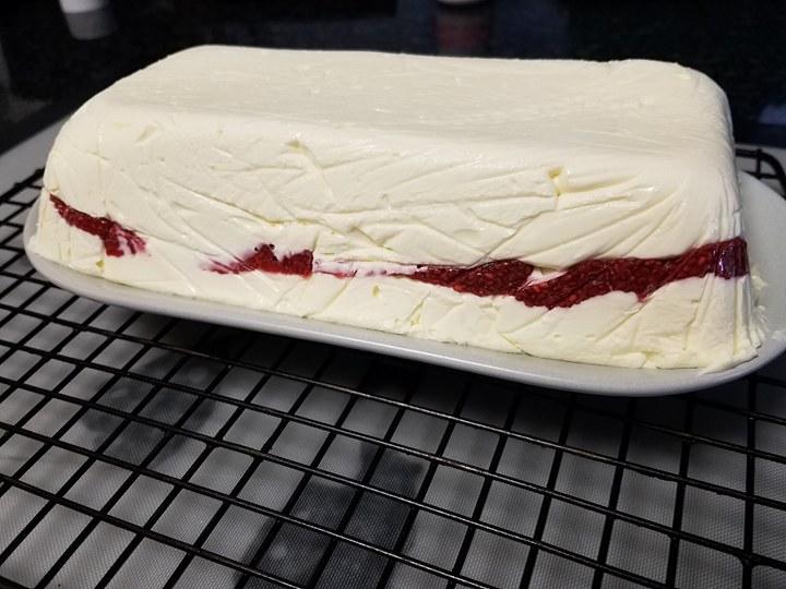 Mad Creations KEto Lamington Cheesecake