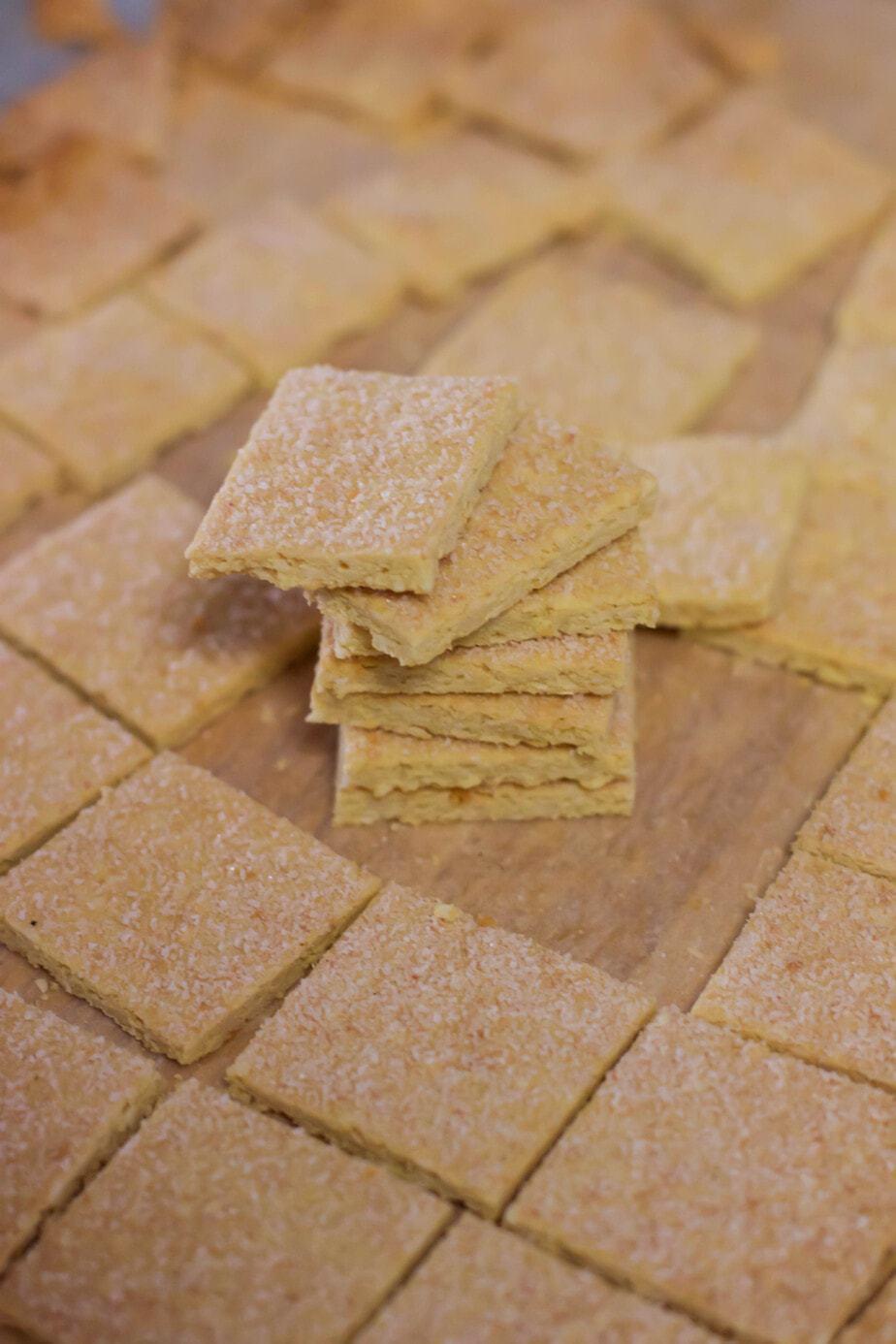 Mad Creations Keto Salt n Vinegar Crackers #ketogenicdiet #glutennfree #grainfree #ketocrackers # healthyeats