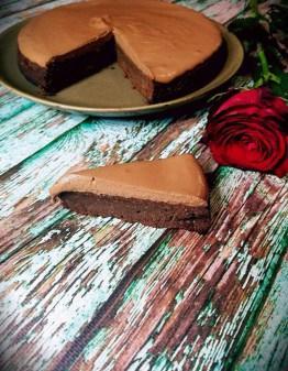 EASY KETO CHOCOLATE MOUSSE CAKE