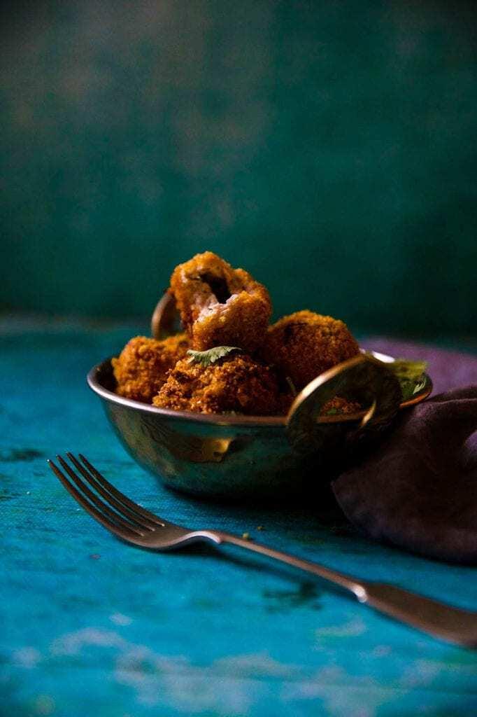 Mad Creations Keto Cookbook Collection Garlic Chicken Pakora #glutenfree #grainfree #Indianketo