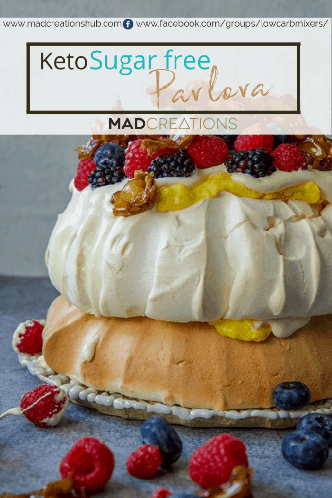 Keto meringue with fruit and praline