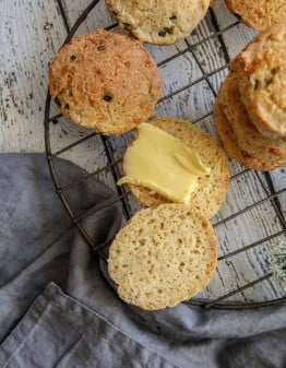 Mad Creations Savoury Keto Garlic Chives & Cheddar Scone #ketoscone #glutenfreebaking