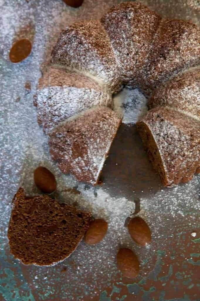 Sliced sweet keto bread dusted in sweetener
