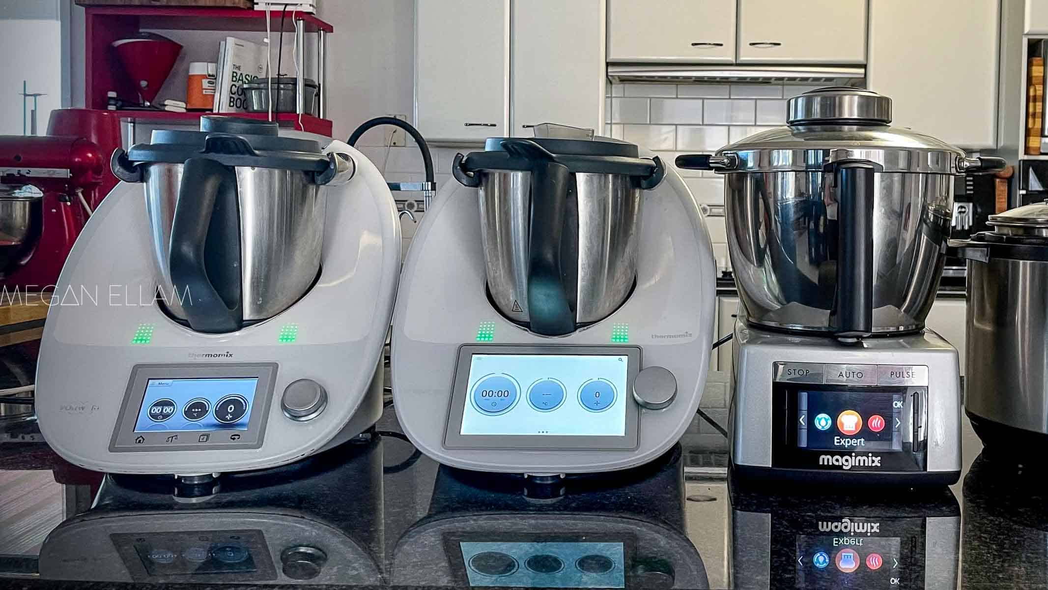 3 thermal appliances on a kitchen bench.